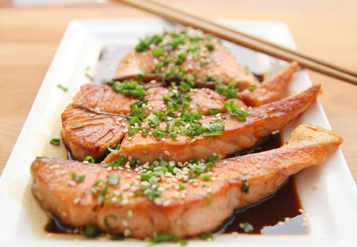 Fish and other proteins are in the weight loss foods list