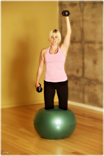 A woman doing a fat burning workout