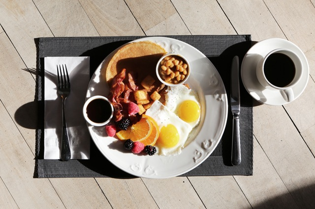 Eating breakfast can help you lose weight